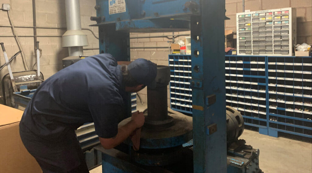 Forklift Tire press